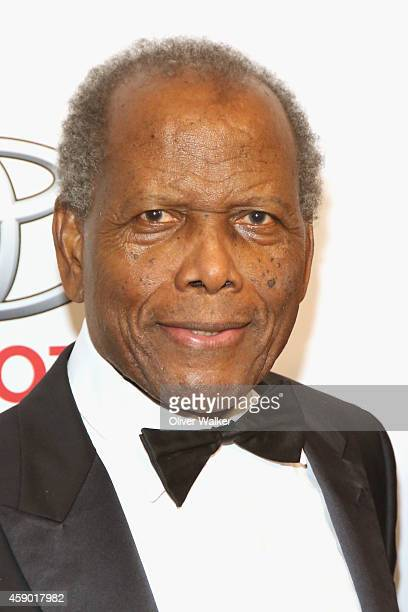 Actor Sidney Poitier arrives at the YWCA Greater Los Angeles presents The Rhapsody Ball at the Beverly Wilshire Four Seasons Hotel on November 14...