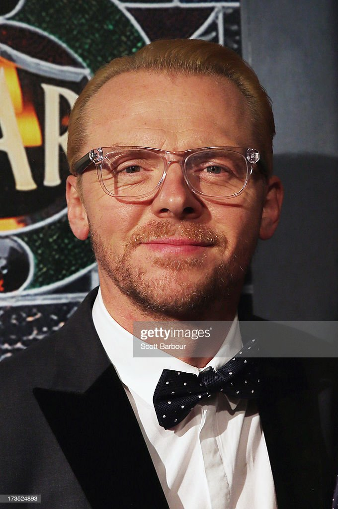 Actor <a gi-track='captionPersonalityLinkClicked' href=/galleries/search?phrase=Simon+Pegg&family=editorial&specificpeople=206280 ng-click='$event.stopPropagation()'>Simon Pegg</a> arrives for 'The World's End' Australian premiere at Hoyts Melbourne Central on July 16, 2013 in Melbourne, Australia.