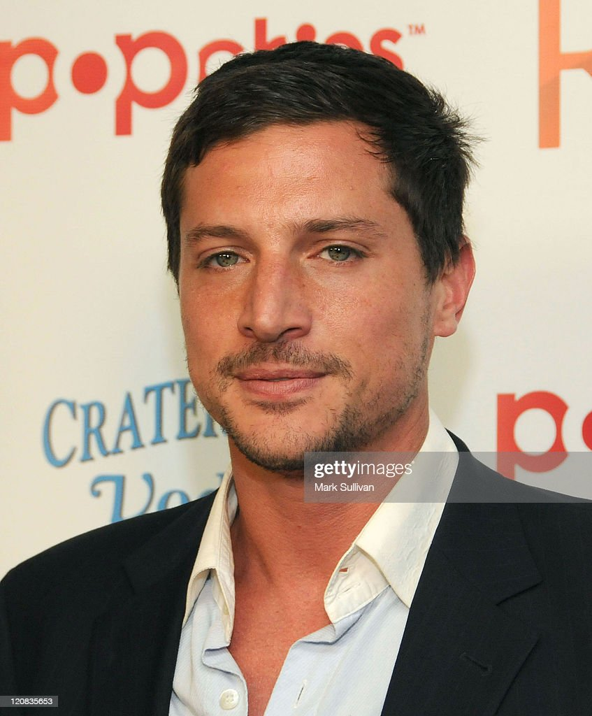 Actor Simon Rex arrives at the Los Angeles premiere of a new TV pilot 'Rex' at Cinespace on June 8, 2009 in Hollywood, California.