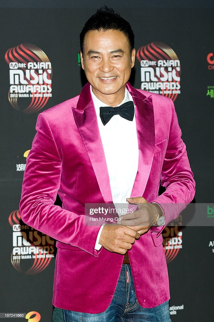 Actor <a gi-track='captionPersonalityLinkClicked' href=/galleries/search?phrase=Simon+Yam&family=editorial&specificpeople=560050 ng-click='$event.stopPropagation()'>Simon Yam</a> from China attends the 2012 Mnet Asian Music Awards Red Carpet on November 30, 2012 in Hong Kong, Hong Kong.