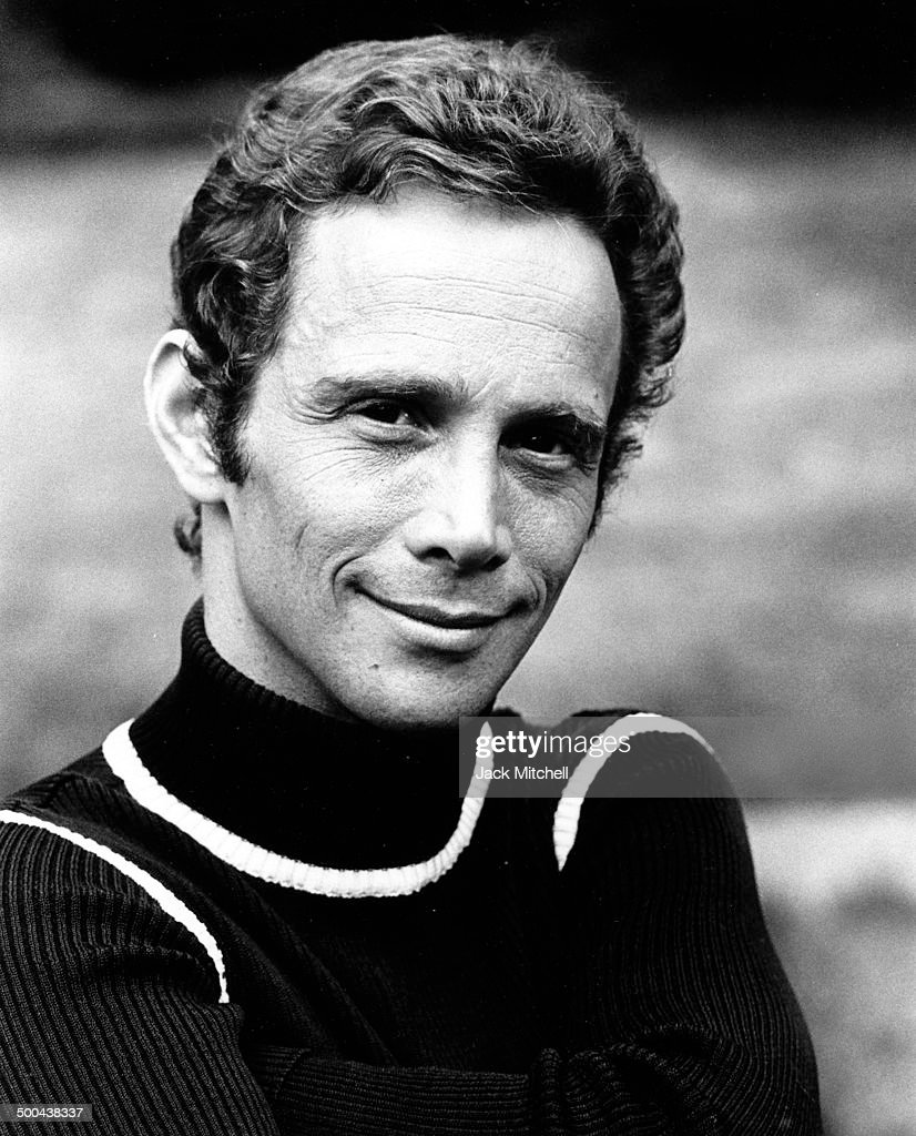joel grey mr cellophane