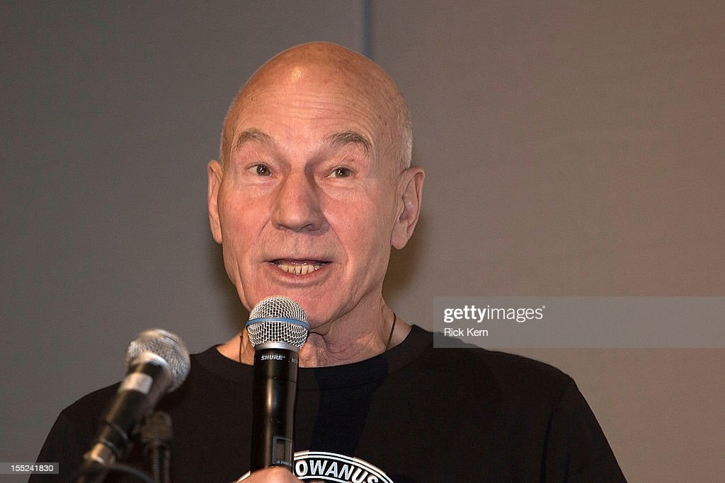 Actor Sir <a gi-track='captionPersonalityLinkClicked' href=/galleries/search?phrase=Patrick+Stewart&family=editorial&specificpeople=203271 ng-click='$event.stopPropagation()'>Patrick Stewart</a> speaks during day two of the Wizard World Austin Comic Convention at the Austin Convention Center on October 27, 2012 in Austin, Texas.