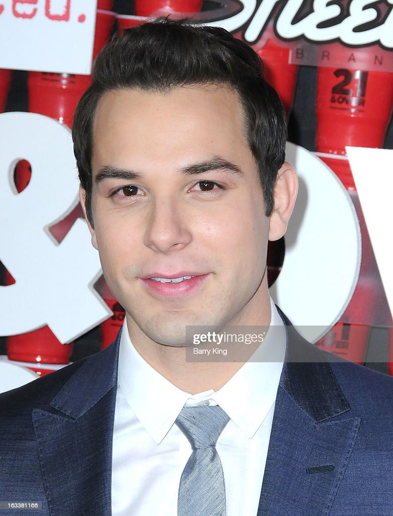 Actor <a gi-track='captionPersonalityLinkClicked' href=/galleries/search?phrase=Skylar+Astin&family=editorial&specificpeople=4463360 ng-click='$event.stopPropagation()'>Skylar Astin</a> arrives at the '21 And Over' - Los Angeles Premiere at Westwood Village Theatre on February 21, 2013 in Los Angeles, California.