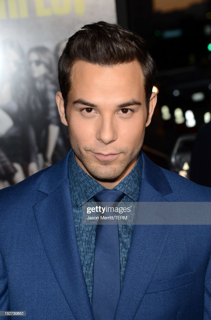 Actor <a gi-track='captionPersonalityLinkClicked' href=/galleries/search?phrase=Skylar+Astin&family=editorial&specificpeople=4463360 ng-click='$event.stopPropagation()'>Skylar Astin</a> arrives at the premiere of Universal Pictures And Gold Circle Films' 'Pitch Perfect' at ArcLight Cinemas on September 24, 2012 in Hollywood, California.