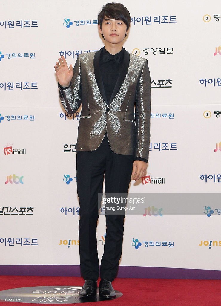 Actor <a gi-track='captionPersonalityLinkClicked' href=/galleries/search?phrase=Song+Joong-Ki&family=editorial&specificpeople=7350123 ng-click='$event.stopPropagation()'>Song Joong-Ki</a> arrives for the 49th Paeksang Arts Awards on May 9, 2013 in Seoul, South Korea.
