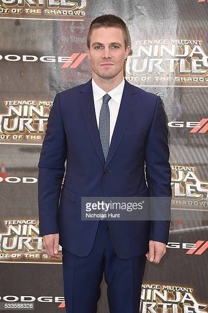 "Actor Stephen Amell attends the New York Premiere of the Paramount Pictures title ""Teenage Mutant Ninja Turtles Out of the Shadows"" on May 22 2016 at..."