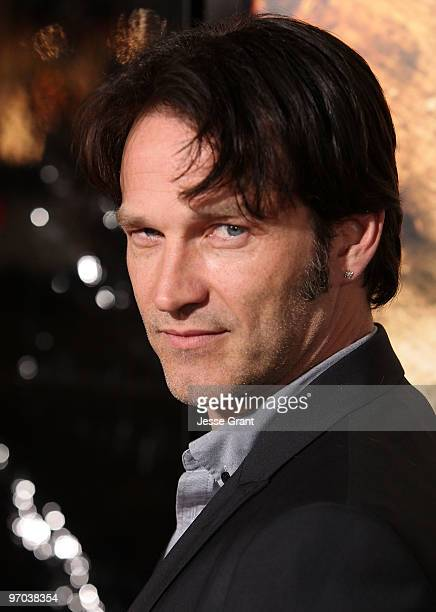 Actor Stephen Moyer arrives to HBO's premiere of 'The Pacific' at Grauman's Chinese Theatre on February 24 2010 in Los Angeles California