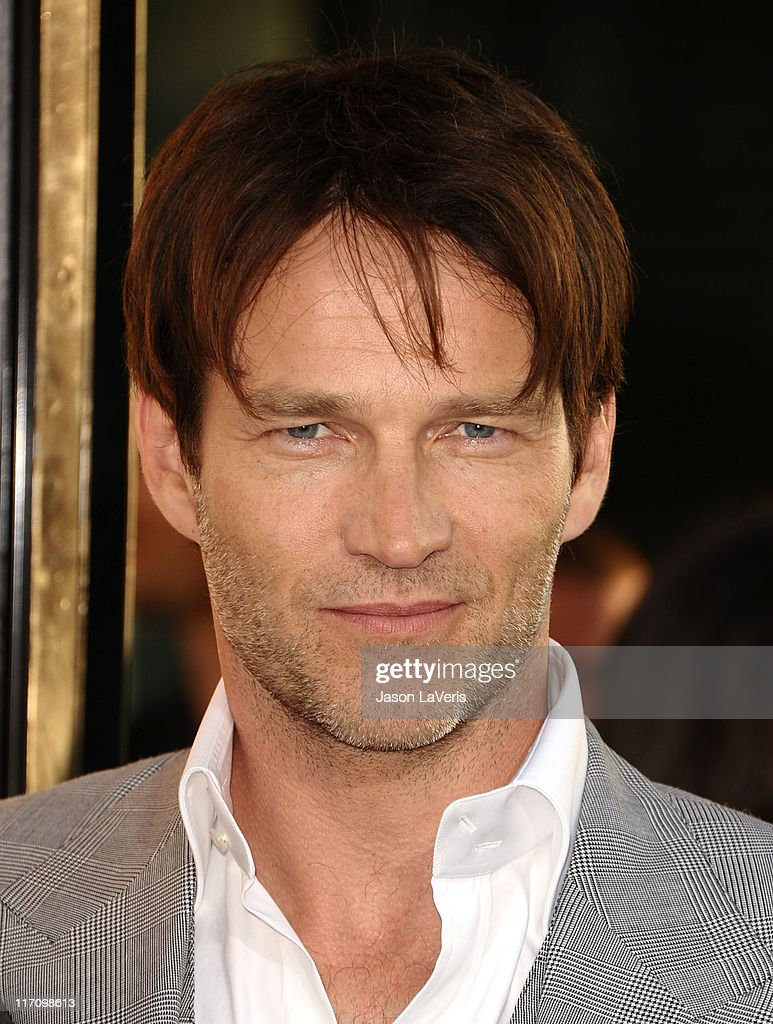 Actor <a gi-track='captionPersonalityLinkClicked' href=/galleries/search?phrase=Stephen+Moyer&family=editorial&specificpeople=4323688 ng-click='$event.stopPropagation()'>Stephen Moyer</a> attends the premiere of HBO's 'True Blood' at ArcLight Cinemas Cinerama Dome on June 21, 2011 in Hollywood, California.