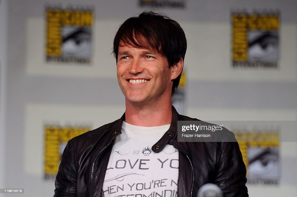 Actor <a gi-track='captionPersonalityLinkClicked' href=/galleries/search?phrase=Stephen+Moyer&family=editorial&specificpeople=4323688 ng-click='$event.stopPropagation()'>Stephen Moyer</a> speaks at HBO's 'True Blood' Panel during Comic-Con 2011 and the San Diego Convention Center on July 22, 2011 in San Diego, California.