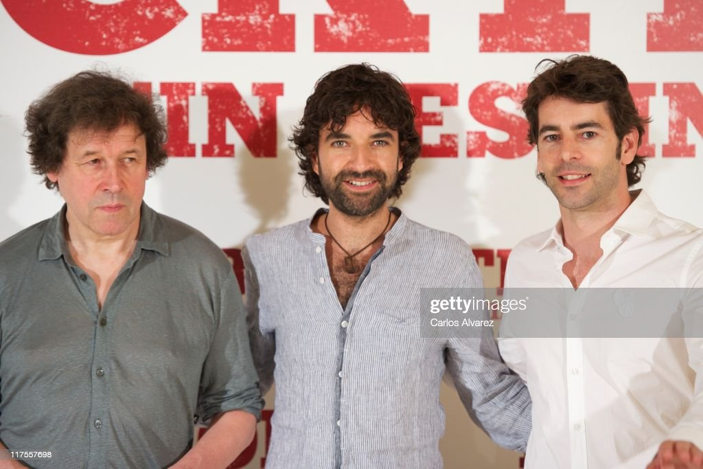 Actor <a gi-track='captionPersonalityLinkClicked' href=/galleries/search?phrase=Stephen+Rea&family=editorial&specificpeople=779931 ng-click='$event.stopPropagation()'>Stephen Rea</a>, director Mateo Gil and Spanish actor <a gi-track='captionPersonalityLinkClicked' href=/galleries/search?phrase=Eduardo+Noriega&family=editorial&specificpeople=790357 ng-click='$event.stopPropagation()'>Eduardo Noriega</a> attend 'Blackthorn, Sin Destino' photocall at the Princesa cinema on June 28, 2011 in Madrid, Spain.