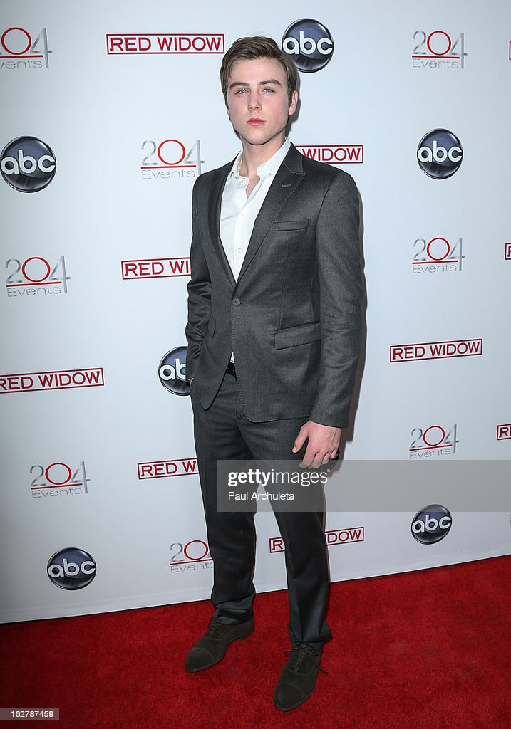 Actor <a gi-track='captionPersonalityLinkClicked' href=/galleries/search?phrase=Sterling+Beaumon&family=editorial&specificpeople=656885 ng-click='$event.stopPropagation()'>Sterling Beaumon</a> attends a dinner to celebrate ABC's new series 'Red Widow' at Romanov Restaurant & Lounge on February 26, 2013 in Studio City, California.