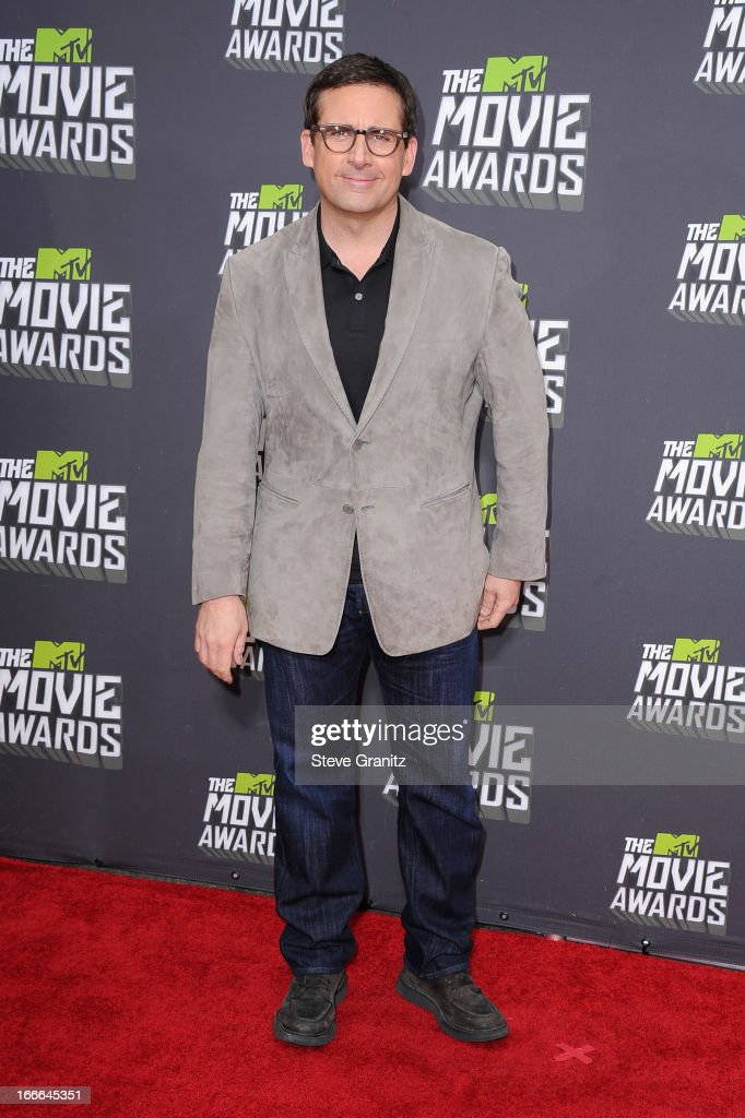 Actor <a gi-track='captionPersonalityLinkClicked' href=/galleries/search?phrase=Steve+Carell&family=editorial&specificpeople=595491 ng-click='$event.stopPropagation()'>Steve Carell</a> arrives at the 2013 MTV Movie Awards at Sony Pictures Studios on April 14, 2013 in Culver City, California.