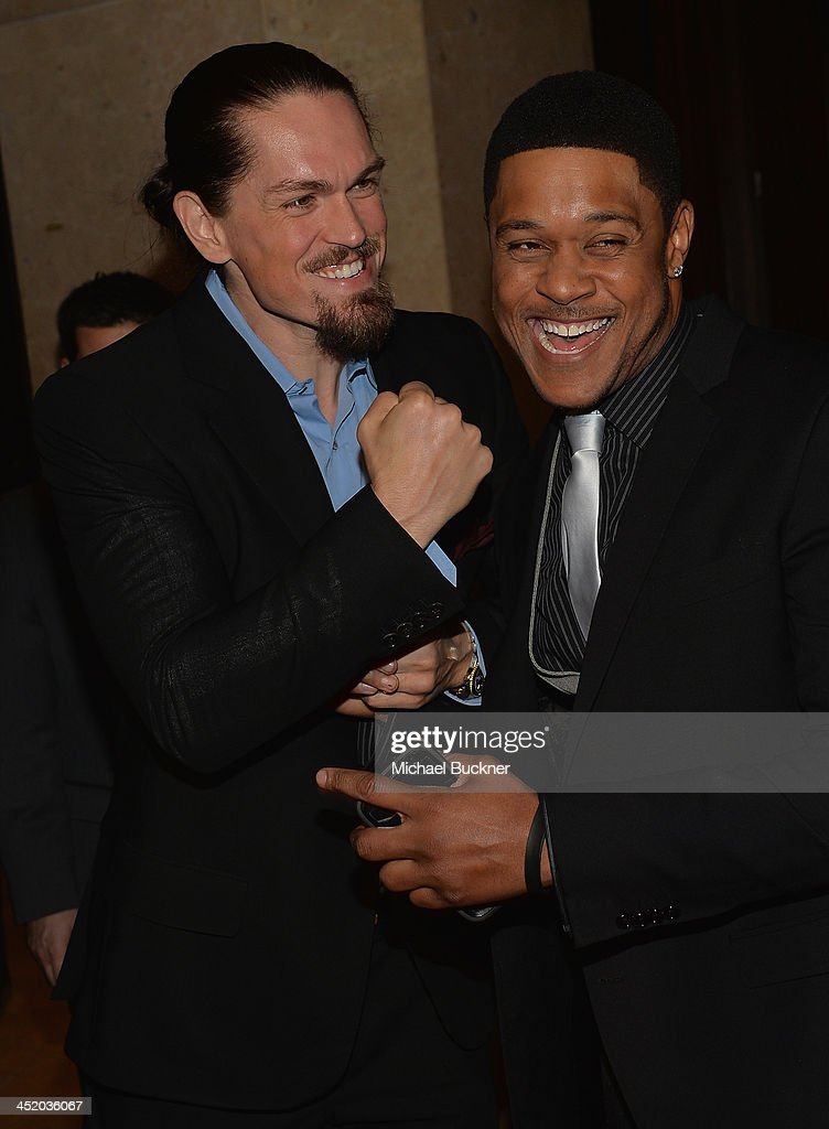 Actor Steve Howey (L) and actor <a gi-track='captionPersonalityLinkClicked' href=/galleries/search?phrase=Pooch+Hall&family=editorial&specificpeople=879951 ng-click='$event.stopPropagation()'>Pooch Hall</a> arrives at the 37th Annual Saban Community Clinic Gala at The Beverly Hilton Hotel on November 25, 2013 in Beverly Hills, California.