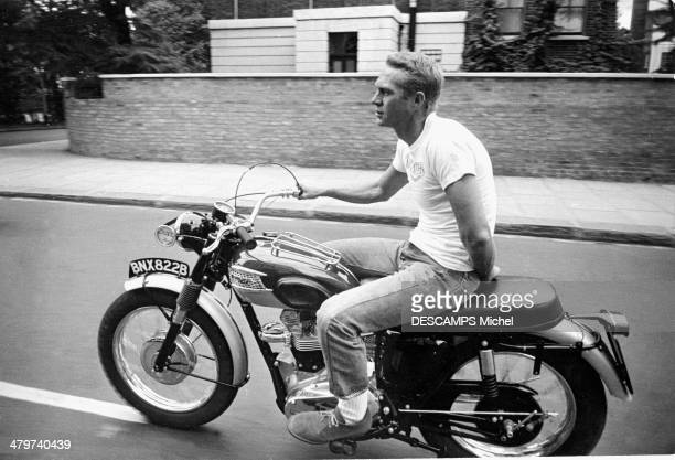 LONDON UK SEPTEMBER 11 Actor Steve McQueen riding a motorcycle Triumph TR6 650 cm3 on September 11 1963 in LondonEngland
