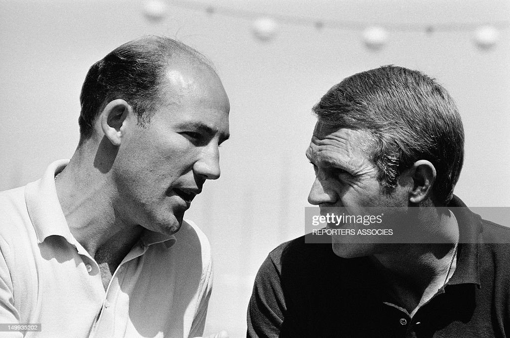 Actor Steve Mcqueen with racing driver <a gi-track='captionPersonalityLinkClicked' href=/galleries/search?phrase=Stirling+Moss&family=editorial&specificpeople=73504 ng-click='$event.stopPropagation()'>Stirling Moss</a> at the Monaco Grand Prix on May 31, 1965 in Monaco.