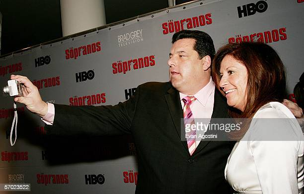 Actor Steven Schirripa and wife Laura attend the sixth season premiere of the HBO series 'The Sopranos' at the Museum Of Modern Art on March 7 2006...