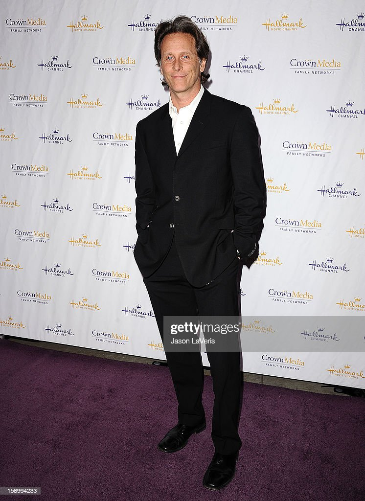 Actor Steven Weber attends the Hallmark Channel 2013 winter press gala at Huntington Library on January 4, 2013 in Pasadena, California.