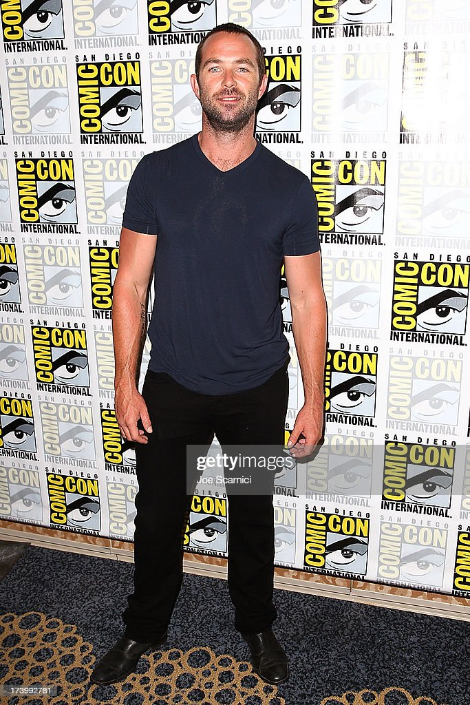 Actor Sullivan Stapleton attends the Strike back press line at Comic-Con International 2013 - Day 1 on July 18, 2013 in San Diego, California.