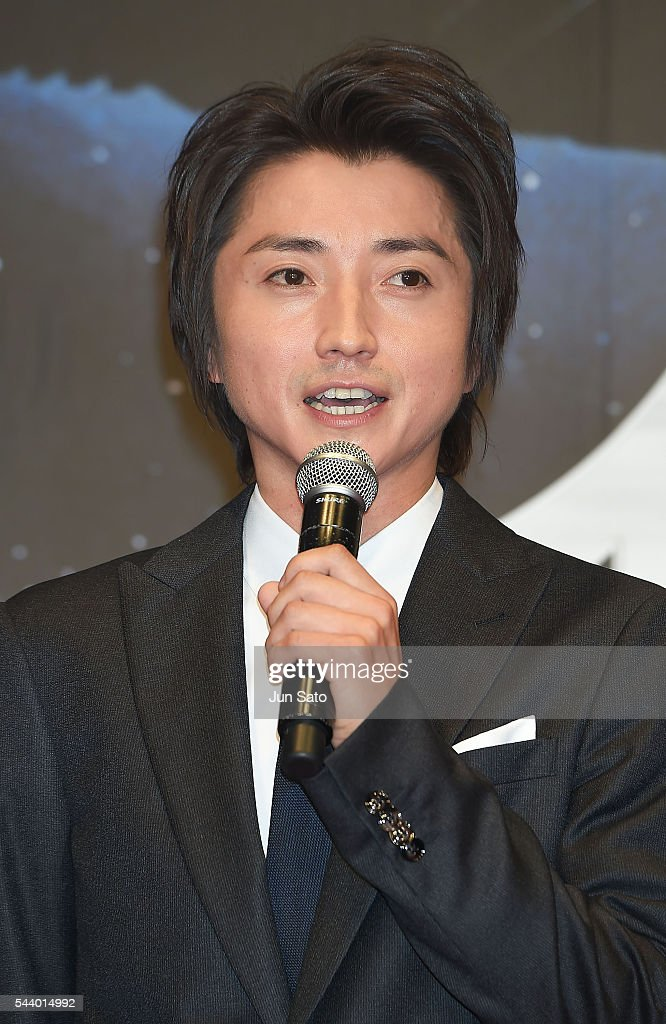 Actor <a gi-track='captionPersonalityLinkClicked' href=/galleries/search?phrase=Tatsuya+Fujiwara&family=editorial&specificpeople=3976963 ng-click='$event.stopPropagation()'>Tatsuya Fujiwara</a> attends the premiere for 'Independence Day: Resurgence' at Roppongi Hills on June 30, 2016 in Tokyo, Japan.