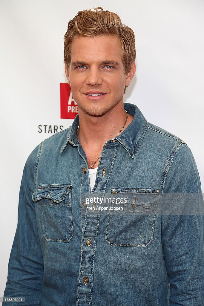 Actor <a gi-track='captionPersonalityLinkClicked' href=/galleries/search?phrase=Taylor+Handley&family=editorial&specificpeople=4113923 ng-click='$event.stopPropagation()'>Taylor Handley</a> attends Abercrombie & Fitch's presentation of their 2013 Stars on the Rise at The Grove on July 11, 2013 in Los Angeles, California.