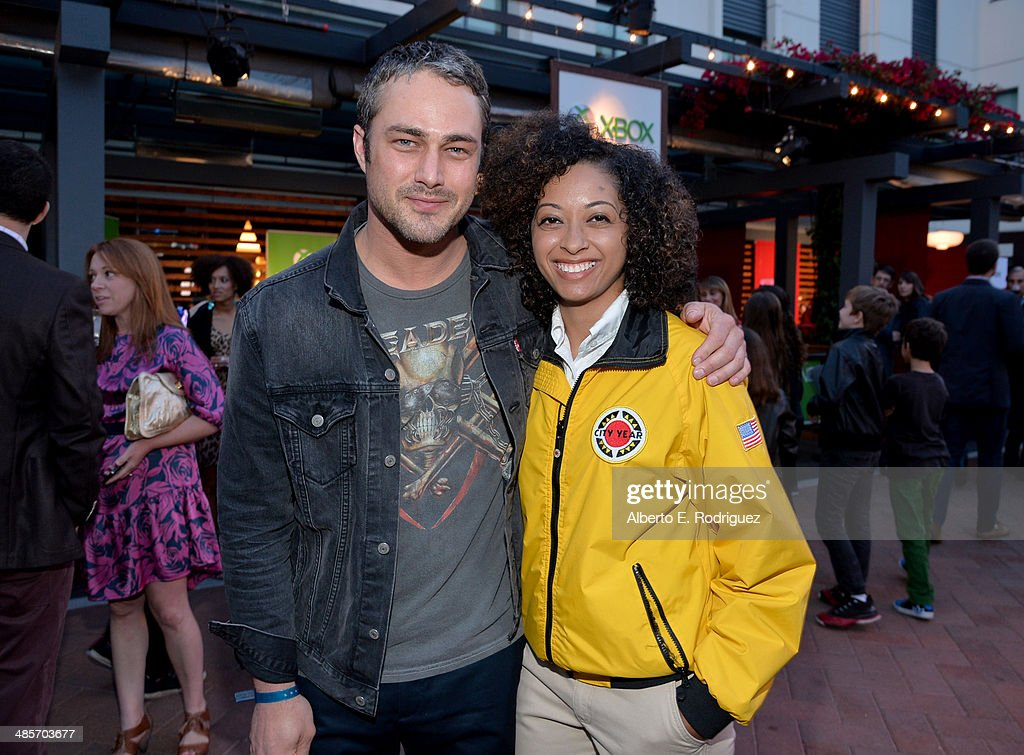 Actor <a gi-track='captionPersonalityLinkClicked' href=/galleries/search?phrase=Taylor+Kinney&family=editorial&specificpeople=747018 ng-click='$event.stopPropagation()'>Taylor Kinney</a>(L) and City Year Los Angeles AmeriCorps member attend the City Year Los Angeles 'Spring Break' Fundraiser at Sony Studios on April 19, 2014 in Los Angeles, California.