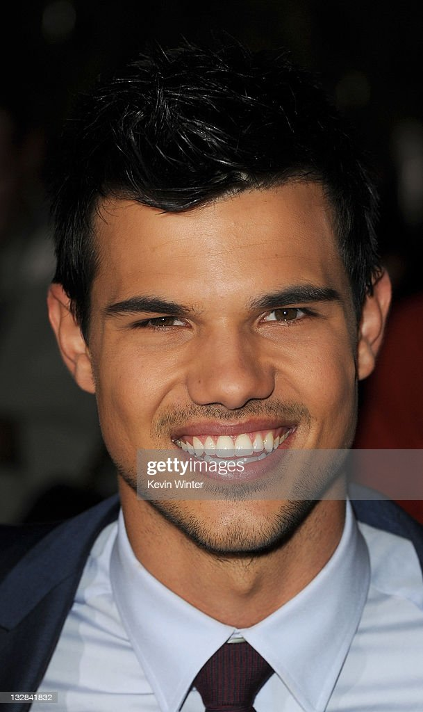 Actor Taylor Lautner arrives at the premiere of Summit Entertainment's 'The Twilight Saga: Breaking Dawn - Part 1' at Nokia Theatre L.A. Live on November 14, 2011 in Los Angeles, California.