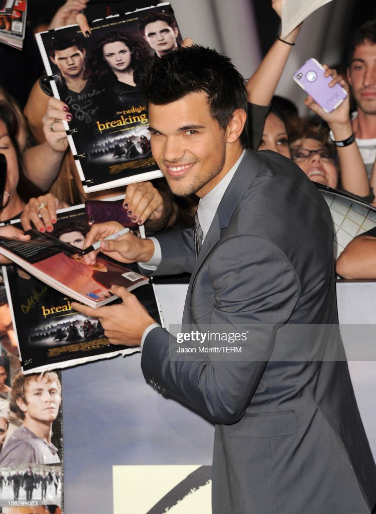 Actor Taylor Lautner arrives at the premiere of Summit Entertainment's 'The Twilight Saga: Breaking Dawn - Part 2' at Nokia Theatre L.A. Live on November 12, 2012 in Los Angeles, California.