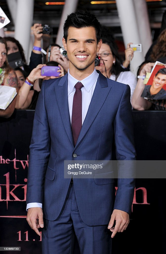 Actor <a gi-track='captionPersonalityLinkClicked' href=/galleries/search?phrase=Taylor+Lautner&family=editorial&specificpeople=228959 ng-click='$event.stopPropagation()'>Taylor Lautner</a> arrives at 'The Twilight Saga: Breaking Dawn - Part 1' Los Angeles Premiere at Nokia Theatre L.A. Live on November 14, 2011 in Los Angeles, California.