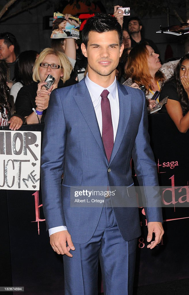 Actor <a gi-track='captionPersonalityLinkClicked' href=/galleries/search?phrase=Taylor+Lautner&family=editorial&specificpeople=228959 ng-click='$event.stopPropagation()'>Taylor Lautner</a> arrives for Summit Entertainment's 'The Twilight Saga: Breaking Dawn - Part 1' held at Nokia Theatre L.A. Live on November 14, 2011 in Los Angeles, California.