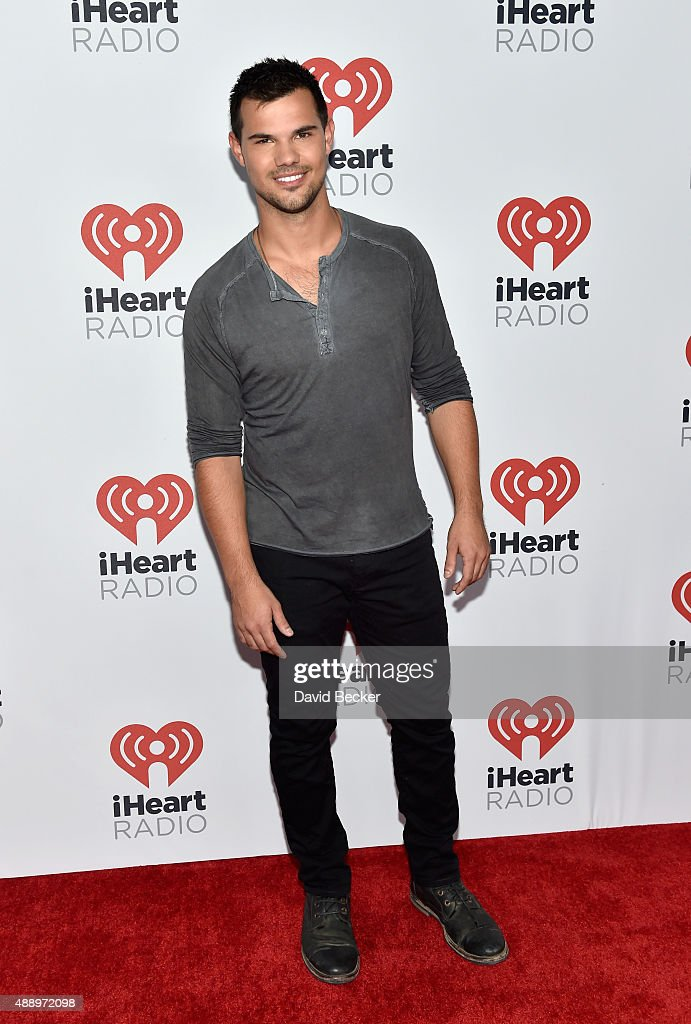 Actor <a gi-track='captionPersonalityLinkClicked' href=/galleries/search?phrase=Taylor+Lautner&family=editorial&specificpeople=228959 ng-click='$event.stopPropagation()'>Taylor Lautner</a> attends the 2015 iHeartRadio Music Festival at MGM Grand Garden Arena on September 18, 2015 in Las Vegas, Nevada.