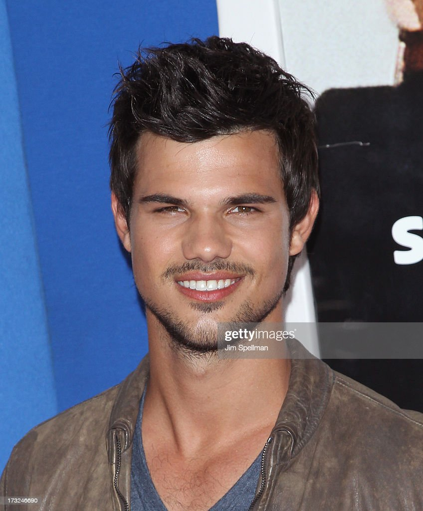 Actor <a gi-track='captionPersonalityLinkClicked' href=/galleries/search?phrase=Taylor+Lautner&family=editorial&specificpeople=228959 ng-click='$event.stopPropagation()'>Taylor Lautner</a> attends the 'Grown Ups 2' New York Premiere at AMC Lincoln Square Theater on July 10, 2013 in New York City.