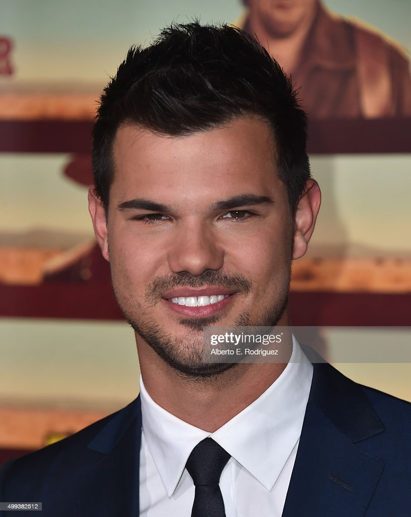 Actor <a gi-track='captionPersonalityLinkClicked' href=/galleries/search?phrase=Taylor+Lautner&family=editorial&specificpeople=228959 ng-click='$event.stopPropagation()'>Taylor Lautner</a> attends the premiere of Netflix's 'The Ridiculous 6' at AMC Universal City Walk on November 30, 2015 in Universal City, California.
