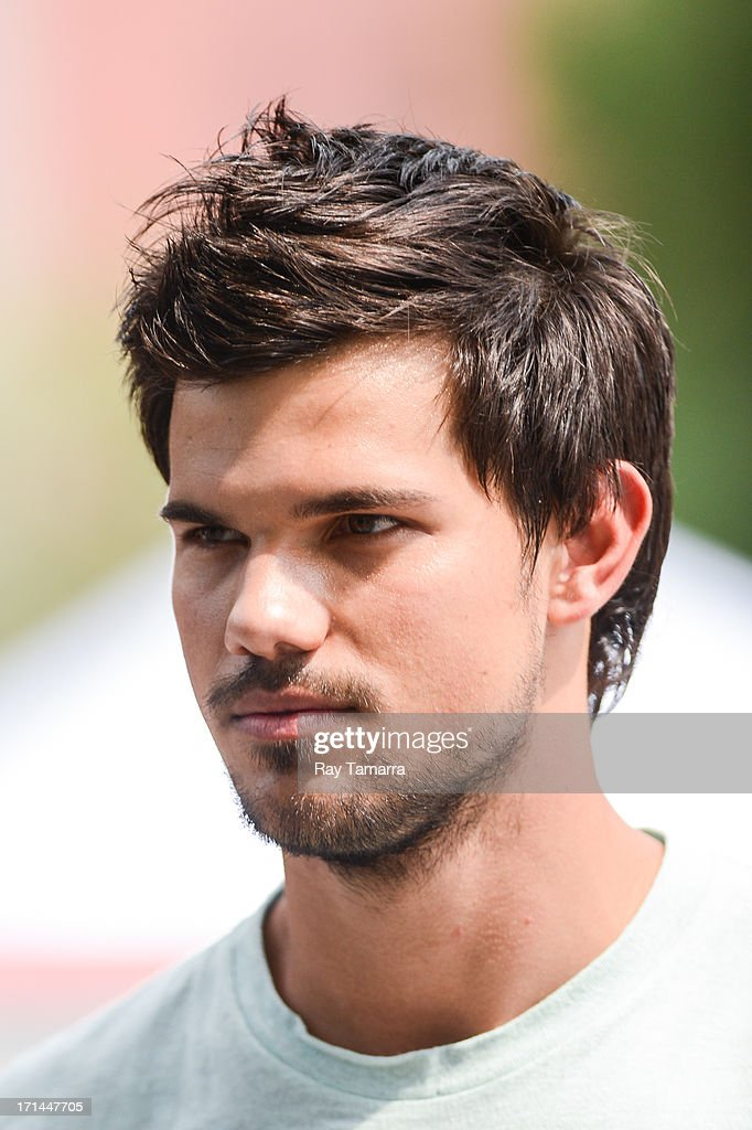 Actor <a gi-track='captionPersonalityLinkClicked' href=/galleries/search?phrase=Taylor+Lautner&family=editorial&specificpeople=228959 ng-click='$event.stopPropagation()'>Taylor Lautner</a> leaves the 'Tracers' movie set in the Lower East Side on June 24, 2013 in New York City.
