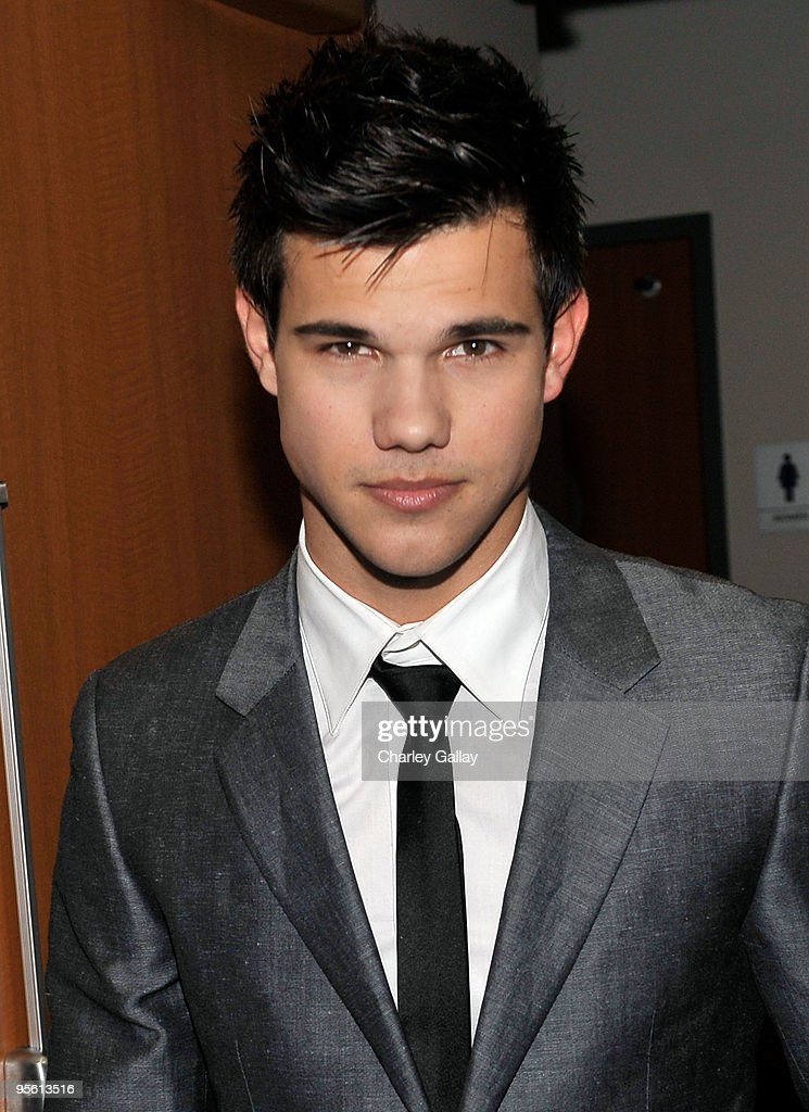 Actor Taylor Lautner poses backstage during the People's Choice Awards 2010 held at Nokia Theatre LA Live on January 6 2010 in Los Angeles California