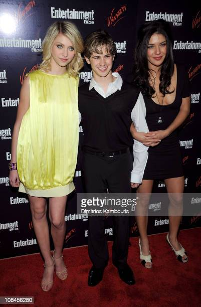 Actor Taylor Momsen Connor Paolo and Jessica Szohr attend the Entertainment Weekly Vavoom Annual Upfront Party at the Bowery Hotel on May 13 2008 in...