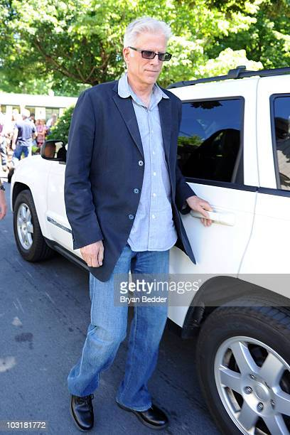 Actor Ted Dansen is seen hours before the wedding of Chelsea Clinton and Marc Mezvinsky on July 31 2010 in in Rhinebeck New York