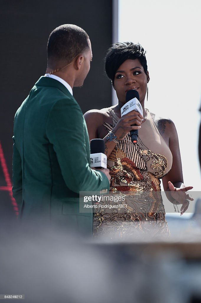 Actor Terrence Jenkins (L) and singer <a gi-track='captionPersonalityLinkClicked' href=/galleries/search?phrase=Fantasia+Barrino&family=editorial&specificpeople=171386 ng-click='$event.stopPropagation()'>Fantasia Barrino</a> attend the 2016 BET Awards at the Microsoft Theater on June 26, 2016 in Los Angeles, California.