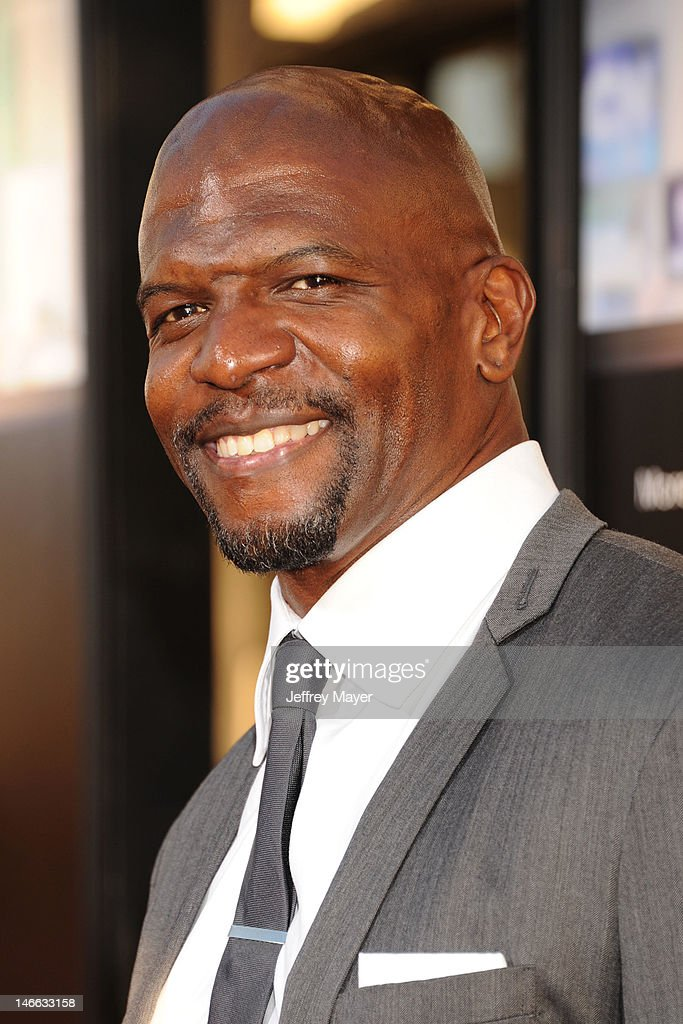 Actor <a gi-track='captionPersonalityLinkClicked' href=/galleries/search?phrase=Terry+Crews&family=editorial&specificpeople=569932 ng-click='$event.stopPropagation()'>Terry Crews</a> arrives at the Los Angeles premiere of HBO's 'The Newsroom' at ArcLight Cinemas Cinerama Dome on June 20, 2012 in Hollywood, California.