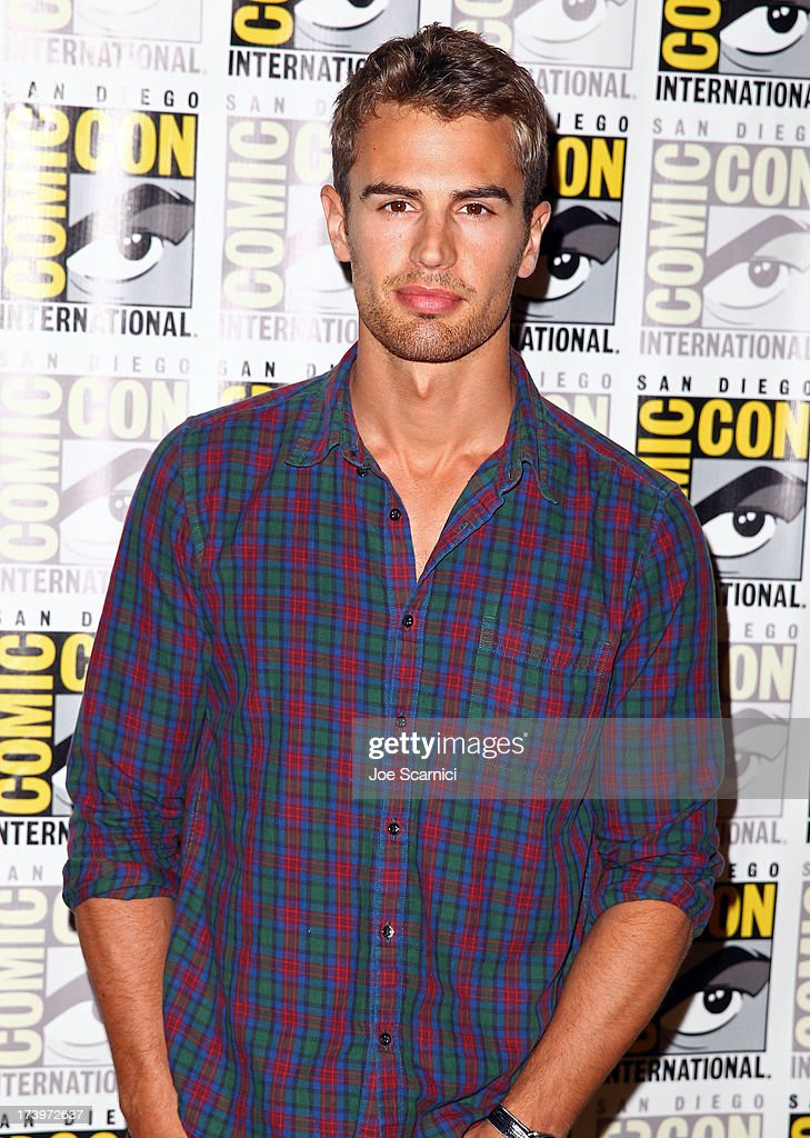 Actor <a gi-track='captionPersonalityLinkClicked' href=/galleries/search?phrase=Theo+James&family=editorial&specificpeople=7989783 ng-click='$event.stopPropagation()'>Theo James</a> attends 'Divergent' Comic-Con Press Line at San Diego Convention Center on July 18, 2013 in San Diego, California.