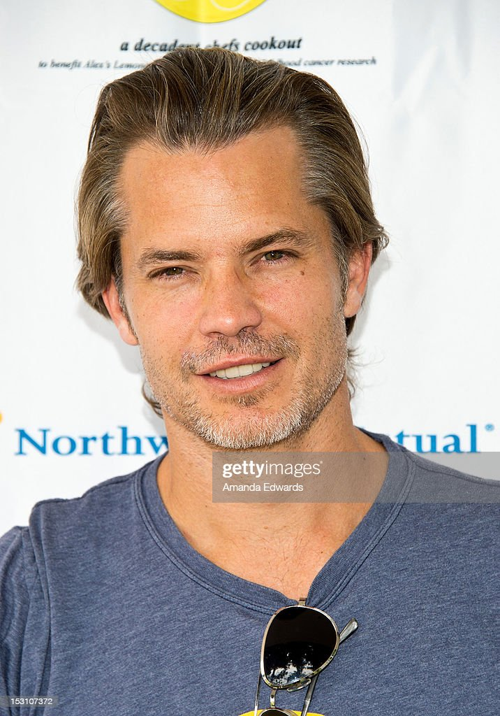 Actor <a gi-track='captionPersonalityLinkClicked' href=/galleries/search?phrase=Timothy+Olyphant&family=editorial&specificpeople=589275 ng-click='$event.stopPropagation()'>Timothy Olyphant</a> arrives at the L.A. Loves Alex's Lemonade Culinary Event at Culver Studios on September 29, 2012 in Culver City, California.
