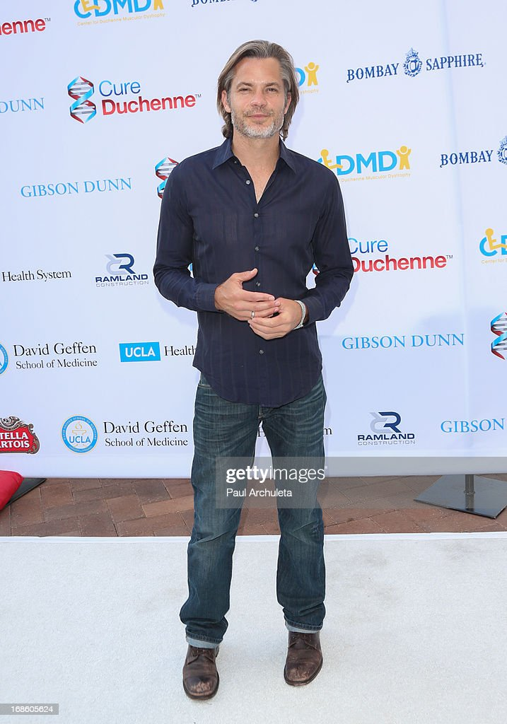 Actor <a gi-track='captionPersonalityLinkClicked' href=/galleries/search?phrase=Timothy+Olyphant&family=editorial&specificpeople=589275 ng-click='$event.stopPropagation()'>Timothy Olyphant</a> attends the 2013 Duchenne Gala at Sony Pictures Studios on May 11, 2013 in Culver City, California.