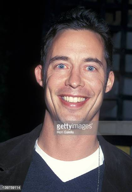 Actor Tom Cavanagh attends the cast party for 'Saturday Night Live' on November 10 2001 at Sarafina's in New York City