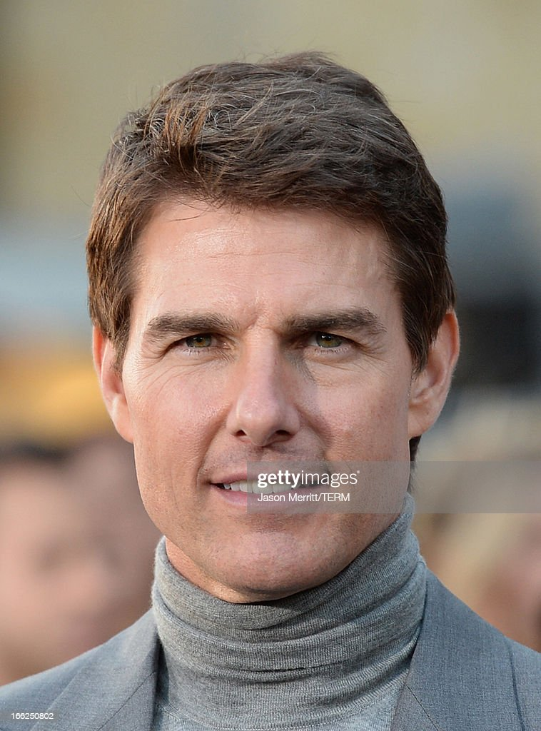 Actor <a gi-track='captionPersonalityLinkClicked' href=/galleries/search?phrase=Tom+Cruise&family=editorial&specificpeople=156405 ng-click='$event.stopPropagation()'>Tom Cruise</a> arrives at the premiere of Universal Pictures' 'Oblivion' at Dolby Theatre on April 10, 2013 in Hollywood, California.