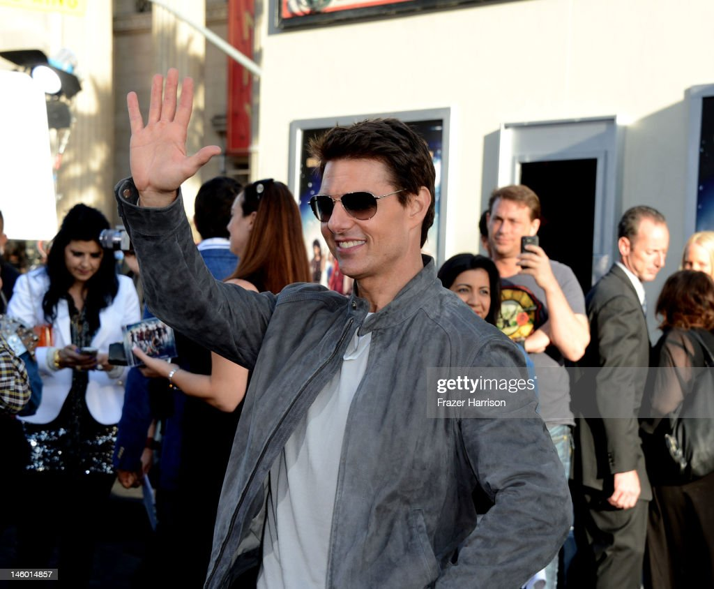 Actor <a gi-track='captionPersonalityLinkClicked' href=/galleries/search?phrase=Tom+Cruise&family=editorial&specificpeople=156405 ng-click='$event.stopPropagation()'>Tom Cruise</a> arrives at the premiere of Warner Bros. Pictures' 'Rock of Ages' at Grauman's Chinese Theatre on June 8, 2012 in Hollywood, California.