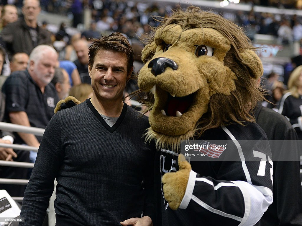 Actor <a gi-track='captionPersonalityLinkClicked' href=/galleries/search?phrase=Tom+Cruise&family=editorial&specificpeople=156405 ng-click='$event.stopPropagation()'>Tom Cruise</a> poses for a picture with Los Angeles Kings mascot in Game Five of the Western Conference Semifinals during the 2013 Stanley Cup Playoffs at Staples Center on May 23, 2013 in Los Angeles, California.