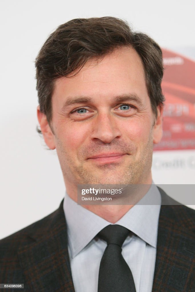 tom everett scott imdb
