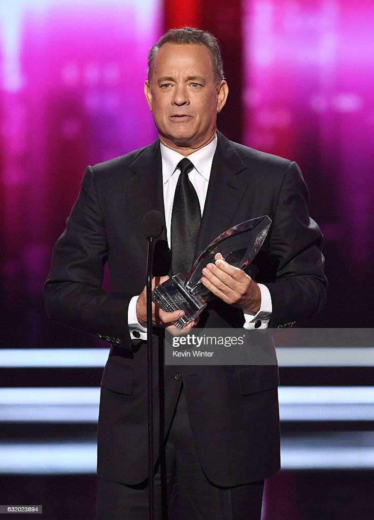 actor-tom-hanks-accepts-favorite-dramatic-movie-actor-onstage-during-picture-id632023894