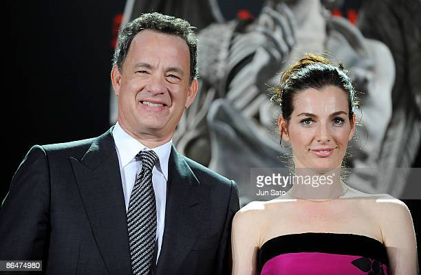 Actor Tom Hanks and actress Ayelet Zurer attend the 'Angels Demons' Japan Premiere at Marunouchi Building on May 7 2009 in Tokyo Japan The film will...