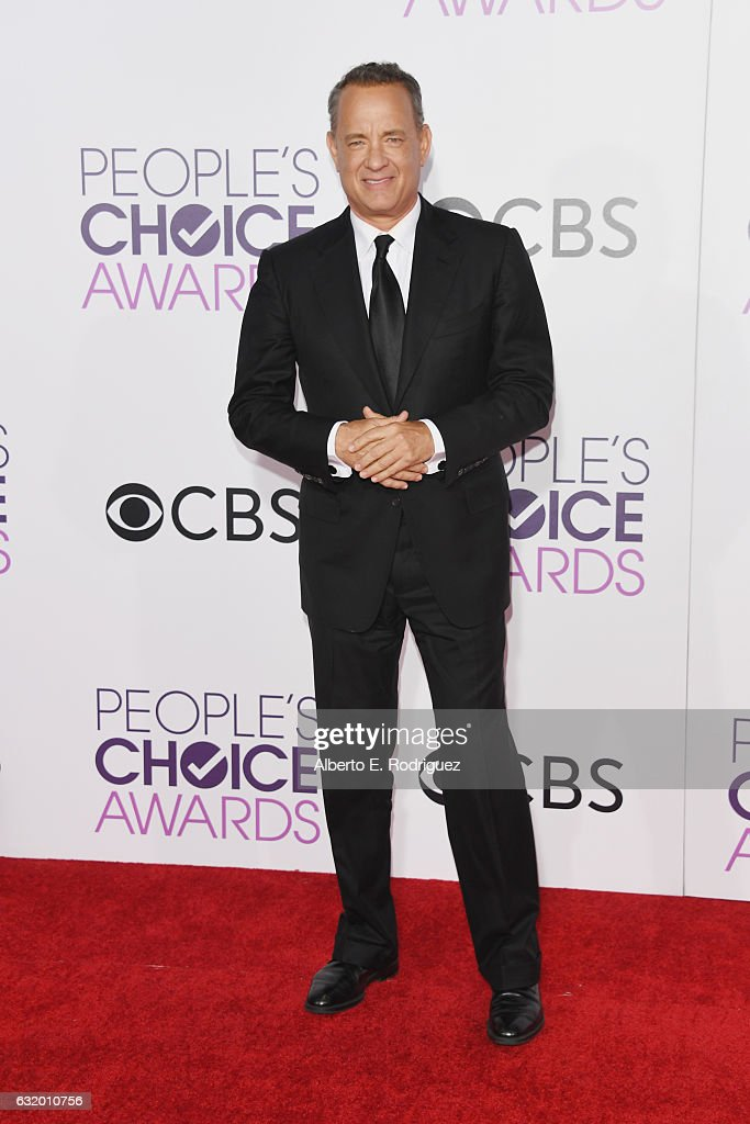 actor-tom-hanks-attends-the-peoples-choice-awards-2017-at-microsoft-picture-id632010756