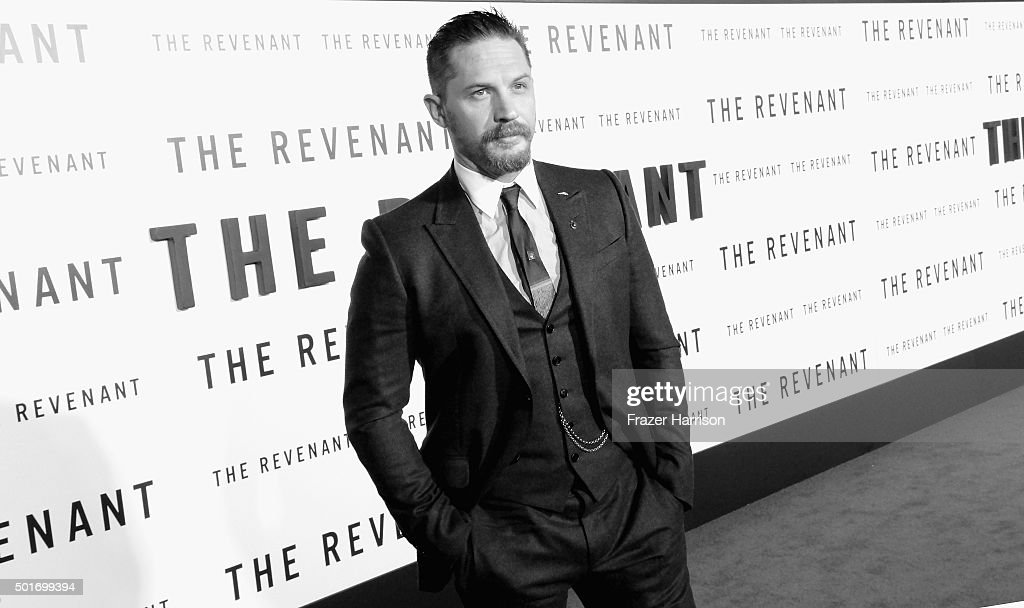 .Actor Tom Hardy arrives at the Premiere Of 20th Century Fox And Regency Enterprises' 'The Revenant' at TCL Chinese Theatre on December 16, 2015 in Hollywood, California.